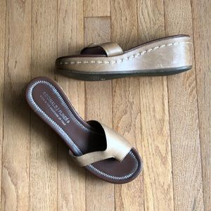 Donald J. Pliner Sandal Leather 10 Like New!!!